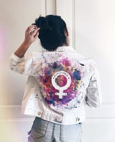 Colorful Fashion, Diy Fashion, Fashion Dresses, Womens Fashion, Painted Jeans, Painted Clothes, Diy Clothing, Custom Clothes, Pretty Outfits