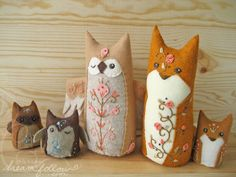 Fiona Fox Felty Plush -= PDF Pattern =- Embroidered felt critters.  If only I had enough faith in my ability to make these.