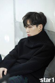 Discover ideas about yg entertainment Yg Ikon, Ikon Kpop, Yg Entertainment, Btob, Rapper, Ikon Member, Warner Music, Kim Jinhwan, Ikon Debut