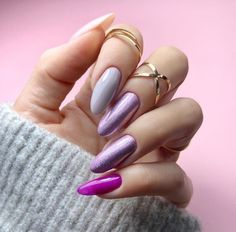 59 New Year's Nail Art Designs, Beautiful and Fashionable for Winter – ShelbyFashions Diy Valentine's Nails, Manicure, New Year's Nails, Shellac Nails, Nail Nail, Creative Nail Designs, Short Nail Designs, Creative Nails, Nail Art Designs