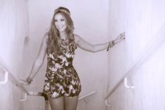 Luisa Meirelles para Avonts Rio #gypsy #boho #avonts #summer #kimono #fashion #editorial #cartagena #avonts #luisa meirelles #bohemian #macaquinho #yellow #print #estampa #black #havana