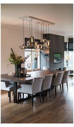Luxury Dining Room, Dining Room Design, Dining Room Table, Modern Dining Rooms, Dining Room Centerpiece, Wooden Dining Tables, Dining Room Sets, Modern Living, Room Interior