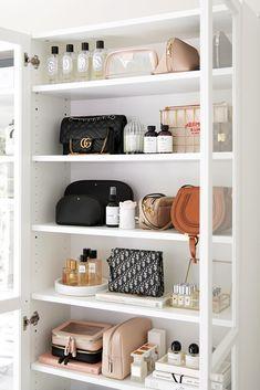 Makeup Shelves, Billy Ikea, Billy Regal, The Home Edit, Makeup Rooms, Beauty Room, Home Organization, Bookshelves, Decoration