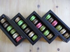 A bundle of 5 luxury quality food grade macaron boxes to package your wonderful creations! An ideal way to present and protect your macarons or