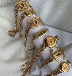Dainty Jewelry, Cute Jewelry, Luxury Jewelry, Gold Jewelry, Jewelry Necklaces, Jewelry Trends, Jewelry Accessories, Fashion Accessories, Fashion Jewelry