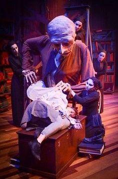 The Old Man puppet s - The Old Man puppet stars in The Harbinger. --- #Theaterkompass #Theater #Theatre #Puppen #Marionette #Handpuppen #Stockpuppen #Puppenspieler #Puppenspiel