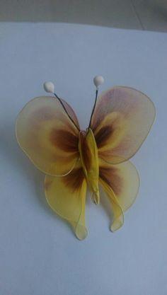 Mariposa Nylon Flowers, Wire Flowers, Balloon Flowers, Fabric Flowers, Nylons, Nylon Crafts, Diy And Crafts, Arts And Crafts, Nylon Stockings