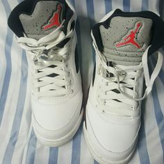 8728b2190 Jordan s Metallica RETRO 5 White with green grey red answer white soles  like new Jordan Shoes