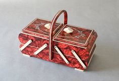 Vintage sewing basket sewing box knitting basket box jewelry box jewelry organizer by MightyVintage on Etsy https://www.etsy.com/listing/233510615/vintage-sewing-basket-sewing-box