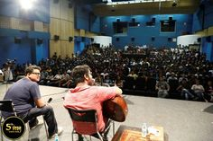 Arijit Singh sharing his childhood memories with students. Besides performing on a few compositions he and his team composed a song based on the lyrics suggested by #WWIStudents.