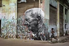 Street Art commemorates Cuban Revolution Survivors -----JR and Jose Parla are graffiti artists 3d Street Art, Street Art Graffiti, Street Artists, Graffiti Artists, Illusion, Art Central, World Street, Jr Art, French Street