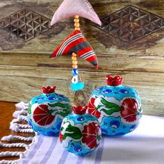 Sahi Istanbul offers Istanbul's artisan pastries along with its stories. Islamic Art, Pomegranate, Tiles, Artisan, Rest, Pottery, Ceramics, Christmas Ornaments, Holiday Decor