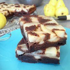L'alliance entre un moelleux au chocolat et la poire. Un dessert rapide à préparer et délicieux à déguster.