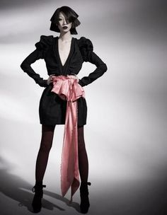 präsentiert von www.my-hair-and-me.de #women #hair #haare #black #outfit #schwarz #schulterlang #lips