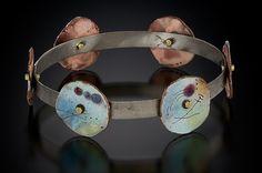 anne havel - Work Zoom: The Beginning Jewelry Crafts, Jewelry Art, Jewelry Accessories, Jewelry Design, Jewelry Ideas, Jewlery, Enamel Jewelry, Metal Jewelry, Antique Jewelry