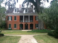 Shadows on the Teche Old Plantation home in Louisiana