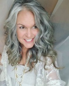 Grey Hair Styles For Women, Natural Hair Styles, Long Hair Styles, Gray Hair Growing Out, Grow Hair, Silver Grey Hair, Silver Age, Grey Hair Looks, Mature Faces