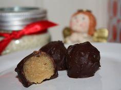 Marsipan er jo et must i jula. Og lavkarbo eller sukkerfri kost er ingen hindring! Man kan velge selv om man vil bruke mandler man m...