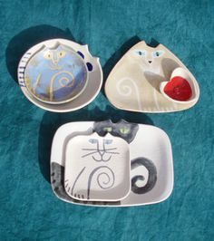 Cat plates........ Aren´t they lovely?! <3<3<3<3