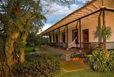 Contact Hacienda Castilla through Great Small Hotels, an exclusive selection of boutique hotels and small luxury hotels all over the world. - Page Hacienda Homes, Hacienda Style, Beautiful Homes, Beautiful Places, African House, Small Luxury Hotels, Spanish Style Homes, Country Landscaping, Green Landscape