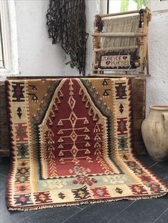 Vintage Turkish Kilims Rug #kilim #turkishrug