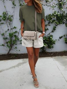 Fashion mode Summer 2016 Chloé bag T-Shirt col rond décontracté - vert-French SheIn(Sheinside) short white - Fashion Mode, Look Fashion, Trendy Fashion, Fashion Outfits, Fashion Clothes, Short Outfits, Casual Outfits, Cute Outfits, Looks Street Style