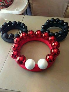 Make your vacation happy and bright with these wreath ideas from Disney DIY!Make your vacation happy and bright with these wreath ideas from Disney DIY!Mickey & Minnie DIY Christmas wreathFor our cruise door . Disney Christmas Crafts, Disney Christmas Decorations, Mickey Christmas, Disney Crafts, Xmas Crafts, Christmas Holidays, Christmas Wreaths, Christmas Ideas, Disney Holidays