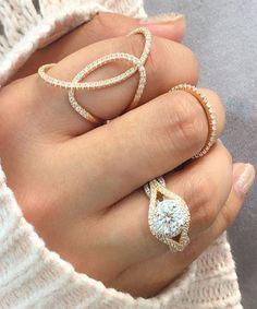 styledbykasey:  gold + jewels