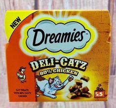 Cat Treats Dreamies Deli Catz Chicken Flavour 5 Bags In Box No Artificial Col Bag In Box, Snack Recipes, Snacks, Chicken Flavors, Cat Treats, Vitamins And Minerals, Deli, Pop Tarts, Tasty