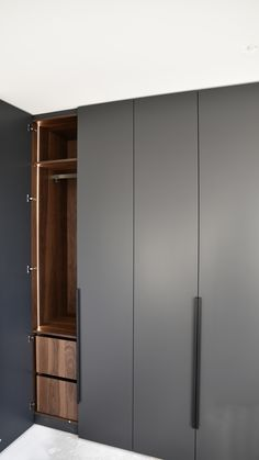 Cupboard Design, Bedroom Furniture Design, Walk In Closet, Locker Storage, Perfect Fit, Wardrobe Room, Layout, Wardrobes, Closets
