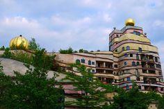 """Hundertwasserhaus """"Waldspirale"""" in Darmstadt: By Dirk Hartung"""