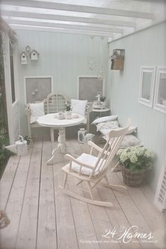 Most beautiful porch I've ever seen <3 I really want this!!
