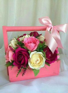 Beautiful Flower Arrangements, Floral Arrangements, Beautiful Flowers, Flower Box Gift, Flower Boxes, Diy Diwali Decorations, Flower Decorations, Holiday Baskets, Diy And Crafts