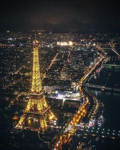 The Eiffel Tower In Paris France Paris Images, Paris Pictures, Paris Photos, 4 Days In Paris, Paris At Night, France Photos, Europe Photos, Paris Eiffel Tower, Tour Eiffel
