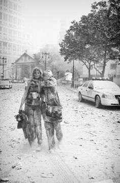 Joanne Capestro and colleague fleeing World Trade Center site on Sept. as captured by Phil Penman. 11 September 2001, Remembering September 11th, Remembering 911, World Trade Center Collapse, One World Trade Center, Trade Centre, 911 Never Forget, Lest We Forget, 911 Twin Towers
