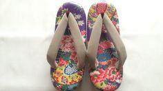 創作草履・Sサイズ 紫地の花柄 - アトリエ ボンボン