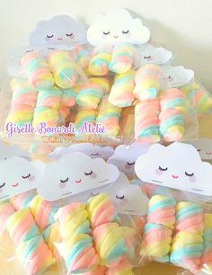 Copie e cole no navegador o link abaixo para visualizar todos os produtos desse . Rainbow Birthday Party, Rainbow Theme, Rainbow Baby, Unicorn Birthday Parties, Baby Birthday, Pastell Party, Cloud Party, Baby Shawer, Baby Party