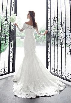 Stunning and so Classic!! Retro French Lace Off shoulder Empire Wedding dress