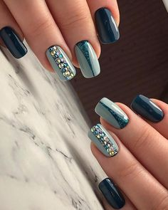 Want some ideas for wedding nail polish designs? This article is a collection of our favorite nail polish designs for your special day. Cute Nails, Pretty Nails, My Nails, Shellac Nails, Gel Nail, Acrylic Nails, Nail Polish Designs, Nail Art Designs, Nail Design