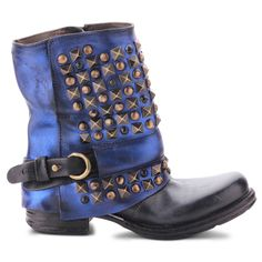 149.00$  Buy here - http://alix6e.worldwells.pw/go.php?t=32734021970 - 2017 Autumn and Winter Luxury Brand Boots Purple color Woman Rivet Belt Buckle Fashion Leather Motercycle Boots  149.00$