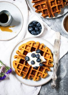 Sweet potato protein waffles made with cottage cheese, oats, roasted sweet potato, a touch of maple syrup and cinnamon. A delicious, healthy breakfast that's perfect post-workout! #waffles #sweetpotato #healthybreakfast #breakfastideas #brunchideas #brunchrecipe #highprotein Sweet Potato Cinnamon, Sweet Potato Waffles, Sweet Potato Protein, Sweet Potato Breakfast, Sweet Potato Recipes, Breakfast Recipes, Breakfast Ideas, Breakfast Healthy, Brunch Recipes