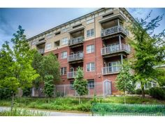 If you've been looking for a home near the Beltline, then you must check out this condo located on the Beltline b/w Piedmont Park & Ponce City Market
