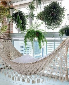 41 Pretty Small Terrace Gardening Ideas - HOMYFEED A roof garden is a type of garden situated on a roof of a building. Ever since, humans have developed … Garden Garden apartment garden arrangement garden equipment garden fence Garden ideas Garden small Small Balcony Decor, Small Terrace, Balcony Plants, Balcony Design, Terrace Garden, Small Balconies, Hammock Balcony, Balcony Gardening, Balcony Ideas