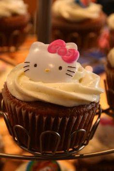 Pumpkin cupcakes with vanilla bean cream cheese icing