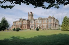 Think royalty, grand rooms, stunning architecture and very friendly staff, this is everything you will find at the magnificent Crewe Hall in Cheshire
