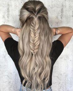 39 Trendy + Messy & Chic Braided Hairstyles   Fishtail braided half up half down hairstyle #halfuphalfdown #braids #hairstyles