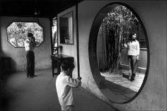 Guy Le Querrec CHINA. Jiangsu Province. Suzhou. Wangshi Yuan Garden. 1984. Magnum Photos Photographer Portfolio