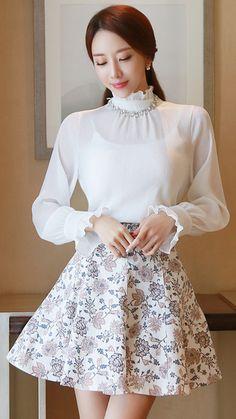 StyleOnme_Antique Floral Print Flared Skirt #classic #floral #skirt #koreanfashion #springtrend #kstyle #seoul #kfashion #feminine #elegant