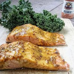 """""""Happy Monday SizzleFish fans! @fitslowcookerqueen is giving us a little @sizzlefishfit salmon inspiration today with her honey mustard BBQ baked salmon that was seasoned with @flavorgod! Simple, flavorful and ready in less than 20 minutes  .  Head to our website: www.sizzlefish.com to order your perfectly portioned fish and shellfish today!"""