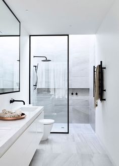 Modern Toilet and Bathroom Designs Home Interior Design Modern Minimalist Black and White Lofts modern bathroom design small modern bathroo. Minimalist Bathroom Design, Modern Bathroom Design, Bathroom Interior Design, Modern Minimalist, Bathroom Designs, Bathroom Images, Interior Livingroom, Modern Design, Minimalist Design
